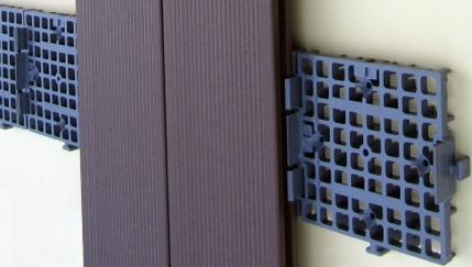 Listelli per montaggio doghe da esterni